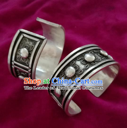Handmade Chinese Miao Nationality Bracelet Traditional Hmong Sliver Bangle for Women