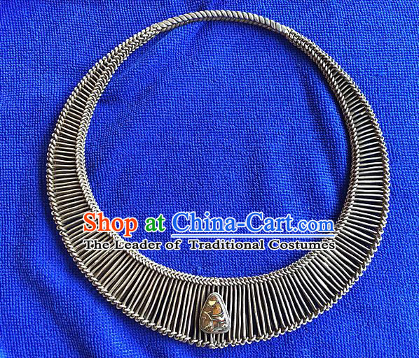 Handmade Chinese Miao Nationality Necklace Sliver Hmong Necklet for Women