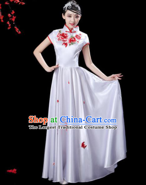 Chinese Classical Dance Chorus White Silk Embroidered Dress Traditional Umbrella Dance Fan Dance Costumes for Women