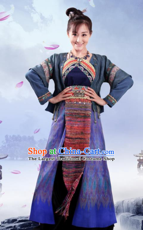 Chinese Traditional Ming Dynasty Swordswoman Replica Costumes Ancient Female Knight Hanfu Dress for Women