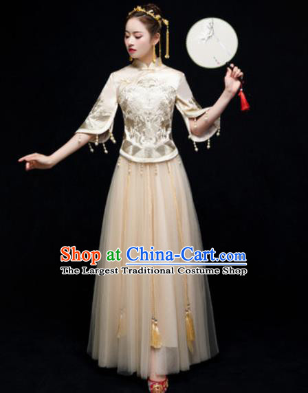 Chinese Traditional Embroidered White Wedding Dress Cheongsam Ancient Bride Handmade Xiuhe Suits Costumes for Women