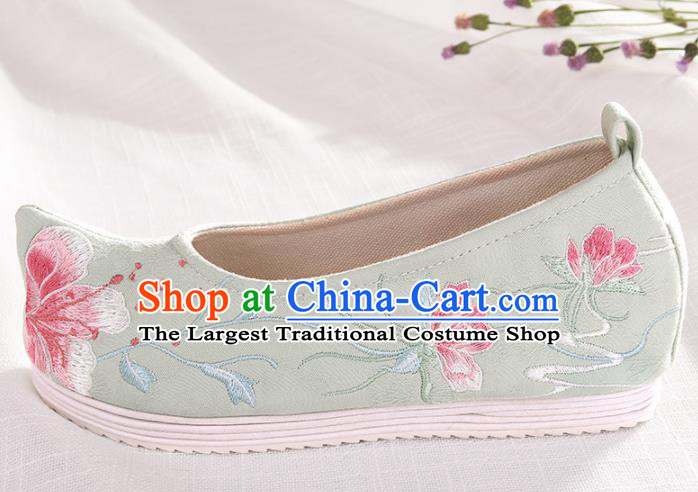 Chinese Traditional Green Embroidered Flowers Shoes Hanfu Cloth Shoes Handmade Ancient Princess Shoes for Women