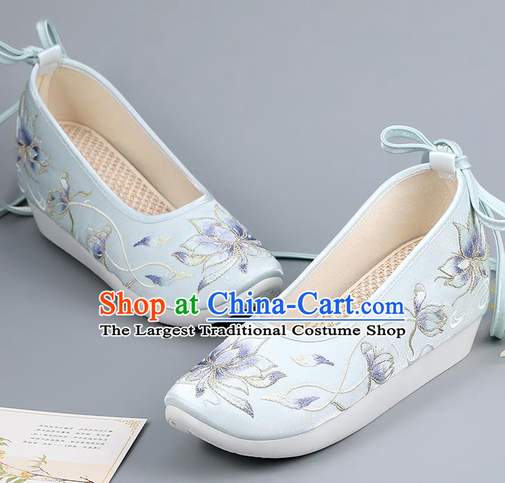 China Ancient Court Shoes Traditional Hanfu Shoes Ming Dynasty Princess Shoes Embroidered Epiphyllum Blue Shoes