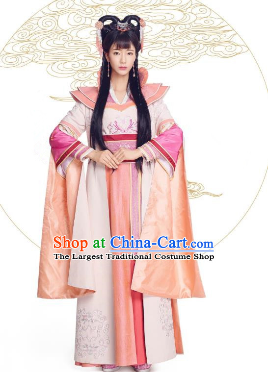 Chinese Historical Drama The Eternal Love Ancient Noble Lady Zhao Qingyun Costume and Headpiece for Women