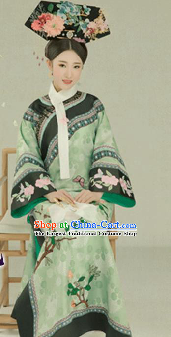 Chinese Traditional Qing Dynasty Manchu Palace Lady Green Hanfu Dress Apparels Ancient Imperial Consort Historical Costumes and Headdress Complete Set